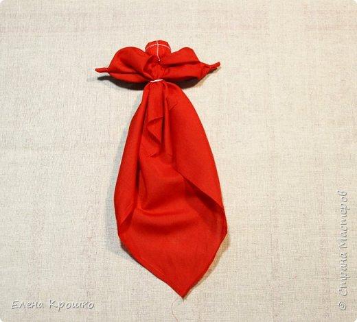 """Куколка Кулема, замечательный подарок когда хочется удивить подарком. Кулема от слова """"куль"""" - мешочек. В такой мешочек можно спрятать пасхальное яичко и любой другой сюрприз на радость ребятне и взрослым. За основу можно взять платочек или красивую салфетку. фото 4"""