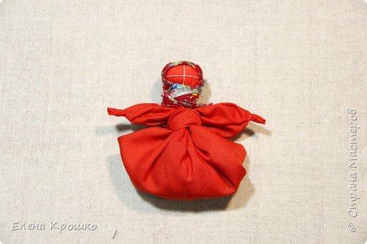 """Куколка Кулема, замечательный подарок когда хочется удивить подарком. Кулема от слова """"куль"""" - мешочек. В такой мешочек можно спрятать пасхальное яичко и любой другой сюрприз на радость ребятне и взрослым. За основу можно взять платочек или красивую салфетку. фото 8"""