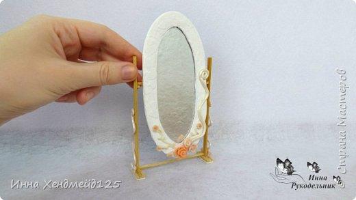 Продолжаю создавать кукольный мир. Сделала зеркало для кукол. Оно подвижное.  Подходит для кукол Барби и Эви. Мне очень нравится делать такие маленькие вещи.  Это так здорово - любить своё дело:) фото 4