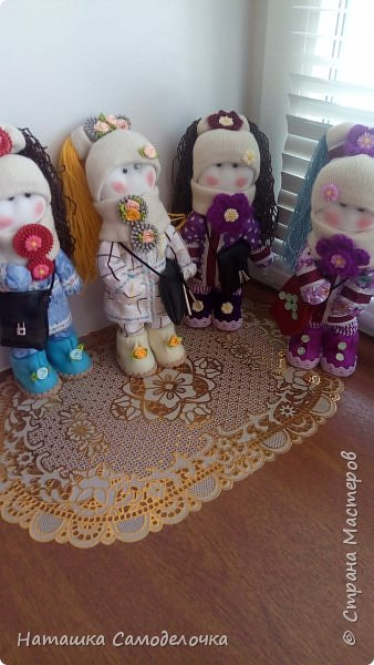 Всех с праздником,всем привет.Новые куколки,посмотрим.