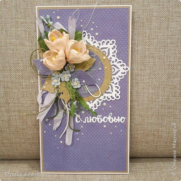 """Некоторое время назад я участвовала в совместном проекте в блоге """"Зачарованные скрапом"""" https://charmedscrap.blogspot.ru/  Это первая открытка, в которой из цветов должны были быть первоцветы. У меня крокусы. Самодельные (ниже покажу, как я их делала). Маленькие синие цветочки тоже самодельные: дырокол+тиснение+самодельные тычинки (пряжу """"Ирис"""" окунала в жидкие дотсы)."""