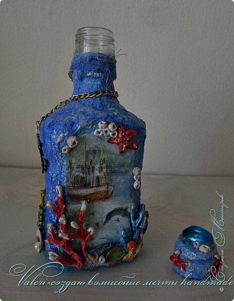 Всем огромный привет!!!!! Наконец то окончила монтаж новой видео-работы, представляю Вашему вниманию декор бутылочки в морском стиле: фото 2