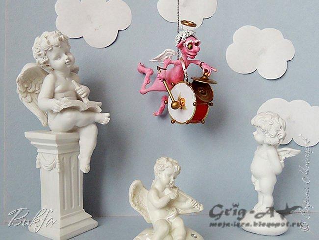 Ангел красив и размашист, Ангел высок и строен, У ангела русы кудри, У ангела кроток взгляд. Е.Грант -------------------------------------------------------------------------------------------------- Всем опять ангельский привет! У нас четвертый ангел. Зовут его Гордей. Гордей в оркестре ангелов (задумка мужа: сделать не меньше шести оркестрантов) выполняет очень важную роль! Он ударник!