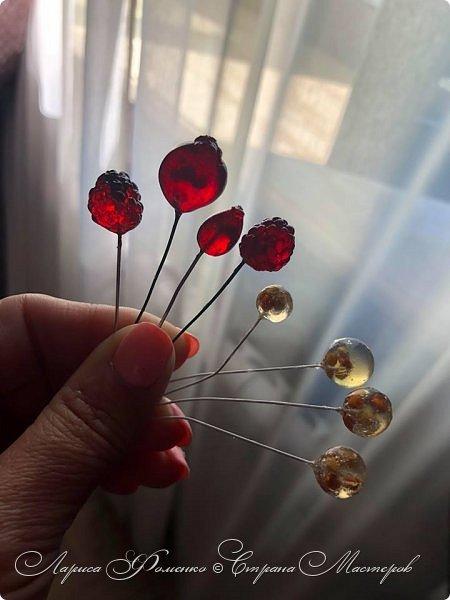 Добрый день! Хочу поделиться способом изготовления прозрачных ягод. Надеюсь , кому-то пригодится мой опыт) Вот такие ягодки получились в результате моих экспериментов.