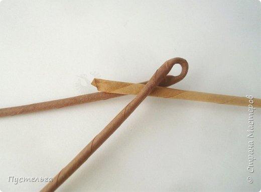 """Это ёжик для самых маленьких мастеров. Всего 7 трубочек - 1 бежевая, 6 коричневых. Трубочки скручены из трети листа потребительской бумаги """"Кондопога"""" на спицу 1,2 мм. фото 2"""