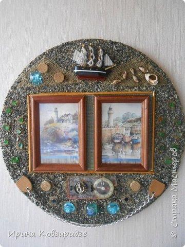 Два панно на морскую тему. Основа- круги ДВП-диаметром 32 и 34 см. На основу на клей ПВА насыпан морской песок (с Чёрного моря) фото 2