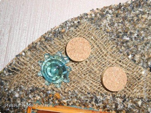 Два панно на морскую тему. Основа- круги ДВП-диаметром 32 и 34 см. На основу на клей ПВА насыпан морской песок (с Чёрного моря) фото 7