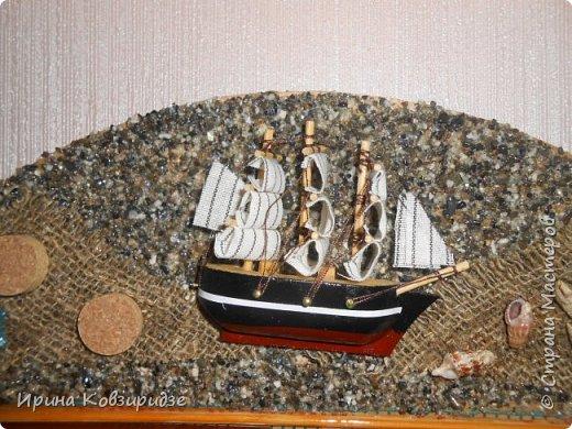 Два панно на морскую тему. Основа- круги ДВП-диаметром 32 и 34 см. На основу на клей ПВА насыпан морской песок (с Чёрного моря) фото 6