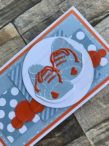 В студии часто меня спрашивают, а почему я не делаю открытки для малышей, отвечаю, что нет ножей:))  А тут увидела нож и он меня очаровал:) Вырубка хорошего размера, детальки  милые....  Наклеила и навырубала  пинеток разных, теперь их пристраиваю на открытки:) Открытка  номер раз:) . Девичья. фото 6