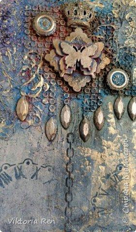 Здравствуйте! Моя новая работа. Панно выполнено в технике микс медиа. В работе использовала разную мелочевку, нитки, молды, трафарет, воски, структурную пасту, тонировка акриловыми красками. Рамку декорировала сама, была простая белая пластиковая. фото 6