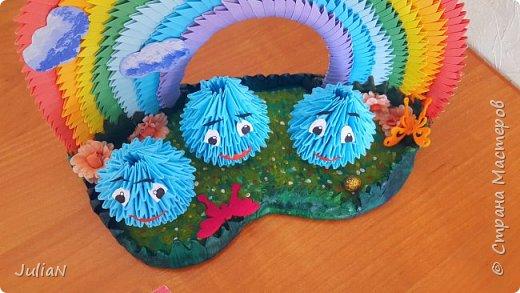 Всем добрый день! Поздравляю все детей с праздником.  У моего сына группа в садике называется Капельки.  И вот так удалось изобразить это название.  фото 5