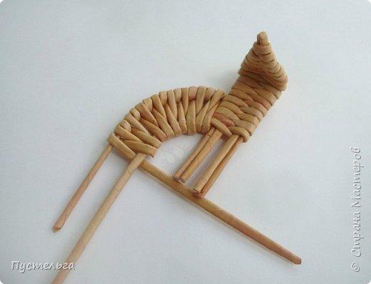 """Вот ещё один лесной житель - хитрый лис. Трубочки из потребительской бумаги """" Кондопога"""", полоса 7 см, спица 1,2 мм. Всего 13 трубочек. фото 12"""