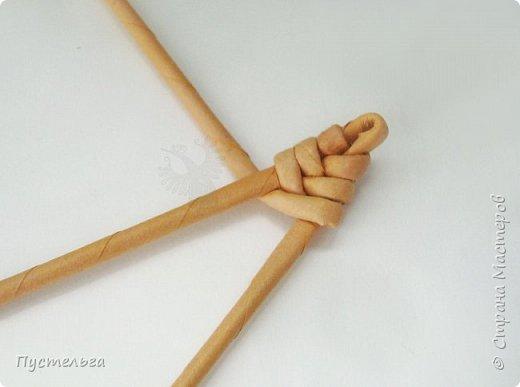 """Вот ещё один лесной житель - хитрый лис. Трубочки из потребительской бумаги """" Кондопога"""", полоса 7 см, спица 1,2 мм. Всего 13 трубочек. фото 3"""