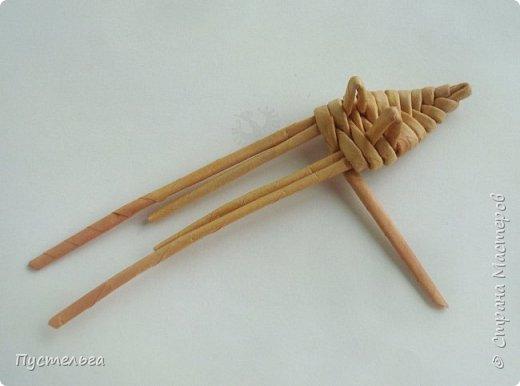 """Вот ещё один лесной житель - хитрый лис. Трубочки из потребительской бумаги """" Кондопога"""", полоса 7 см, спица 1,2 мм. Всего 13 трубочек. фото 7"""