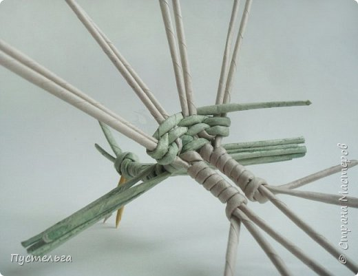 """Трубочки из из потребительской бумаги """"Кондопога"""", полоса 7 см, спица 1,2 мм. Зелёные - 16 шт. Серые - 8 шт. Жёлтые 9 шт. фото 18"""