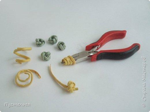 """Трубочки из из потребительской бумаги """"Кондопога"""", полоса 7 см, спица 1,2 мм. Зелёные - 16 шт. Серые - 8 шт. Жёлтые 9 шт. фото 21"""