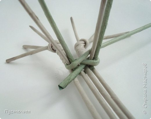 """Трубочки из из потребительской бумаги """"Кондопога"""", полоса 7 см, спица 1,2 мм. Зелёные - 16 шт. Серые - 8 шт. Жёлтые 9 шт. фото 8"""