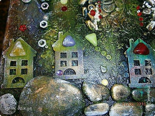 Это панно сделано в подарок женщине с армянскими корнями. Работа выполнена по мотивам работ Ольги  Кравец. В окончательном варианте фото оформила в красную рамочку. Фото добавлю потом. фото 27