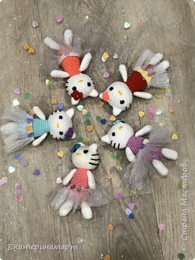 кошечки в подарок знакомым маленьким девочкам =) схемка опять же не моя - нашла на просторах =) фото 2