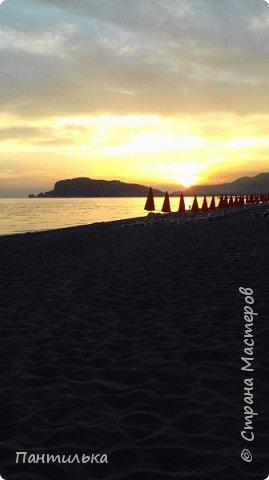 Утро....май...тепло...и море рядом проглядывает за дорогой! Это Алания,в Турции я!!! Неожиданное моё путешествие,не запланировано...Но так надоел наш холод в Башкирии...Выбрала в интернете горящую путёвочку на недельку и махнула к любимому морю... фото 18