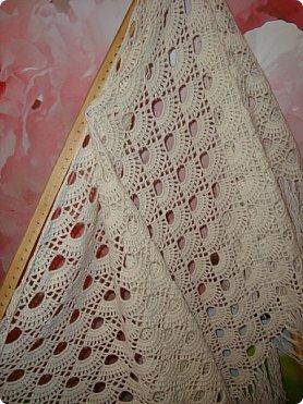 Добрый вечер!!! Рассматривая фотографии нашла фото шалей, которые вязала в подарки мастерицам Страны.. а их было связано наверное штук пять точно... фото 2