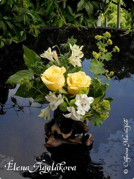 Добрый день! Этим летом я решила осуществить еще одну свою мечту - научится цветочному дизайну. Очень люблю цветы, травки-муравки, деревья и вообще все растения. Уже второй месяц я учусь создавать красоту! Решила поделиться с вами своими композициями и букетами.  фото 5