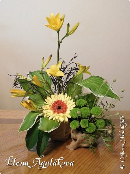 Добрый день! Этим летом я решила осуществить еще одну свою мечту - научится цветочному дизайну. Очень люблю цветы, травки-муравки, деревья и вообще все растения. Уже второй месяц я учусь создавать красоту! Решила поделиться с вами своими композициями и букетами.  фото 7