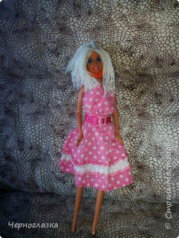 Привет страна! Даааа давненько не было меня. Поэтому  исправляемся.Теперь про одежду Эбби. У неё красное платье самодельное. А головной убор это мой старый браслет. Упс! Что то я заболталась.Так что начнём. фото 7