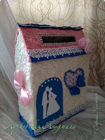 Семейный банк, форма сделана из коробки, оклеина салфетками.  фото 1