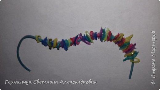 Добрый день , жители Страны Мастеров! Вот такой детский браслет можно сделать из коктейльных трубочек.  Нужны коктейльные трубочки, диаметр 5 мм, свеча , тоненькая резинка  для денег. Идею увидела  в Интернете фото 5