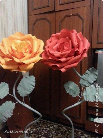 Роза из бумаги.Высота 150 см,диаметр цветка 55 см фото 3