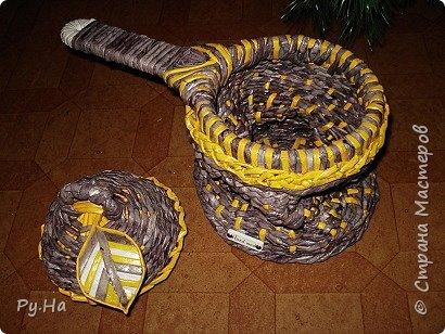 Ну начну с конца. 2 корзинки: коричневая в технике корневого плетения. Плела ее больше месяца. Оч люблю ее. фото 9