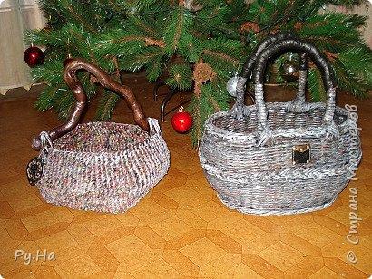 Ну начну с конца. 2 корзинки: коричневая в технике корневого плетения. Плела ее больше месяца. Оч люблю ее. фото 1