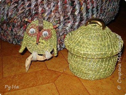 Ну начну с конца. 2 корзинки: коричневая в технике корневого плетения. Плела ее больше месяца. Оч люблю ее. фото 3