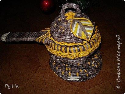 Ну начну с конца. 2 корзинки: коричневая в технике корневого плетения. Плела ее больше месяца. Оч люблю ее. фото 8