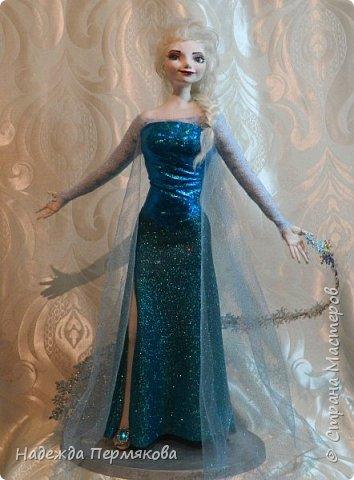 Моей младшей внучке очень по душе этот персонаж из м\ф Холодное сердце. Очень просит свалять еще для неё и снеговичка Олафа. Обещала - ничего не поделаешь... А сделать анимационный персонаж оказалось не так уж и просто. кукла размером 65 см. запекаемый пластик. Нравится пишите. фото 4