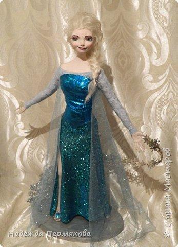 Моей младшей внучке очень по душе этот персонаж из м\ф Холодное сердце. Очень просит свалять еще для неё и снеговичка Олафа. Обещала - ничего не поделаешь... А сделать анимационный персонаж оказалось не так уж и просто. кукла размером 65 см. запекаемый пластик. Нравится пишите. фото 1