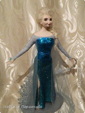 Моей младшей внучке очень по душе этот персонаж из м\ф Холодное сердце. Очень просит свалять еще для неё и снеговичка Олафа. Обещала - ничего не поделаешь... А сделать анимационный персонаж оказалось не так уж и просто. кукла размером 65 см. запекаемый пластик. Нравится пишите. фото 3