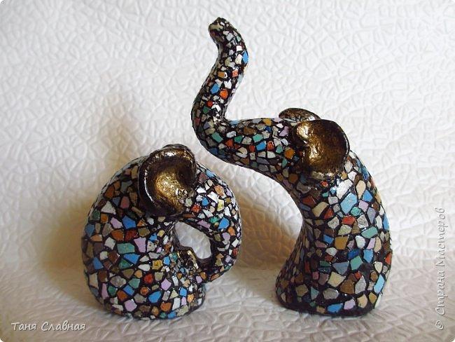 Всем привет! Вот эти слоники и ваза, бывшая не так давно банкой из-под кофе, - мои эксперименты.  Покажу по порядку. Начну со слоников. фото 4