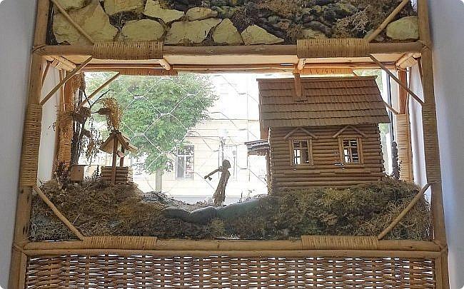 Плетение из соломы \\ Оформление витрины булочной в г.Орёл фото 3