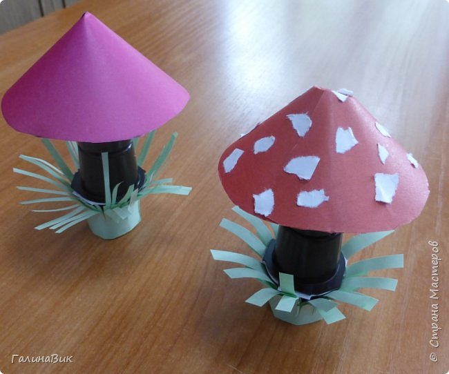 Всем добрый день!!! В школьном лагере с ребятами начальной школы делали грибы из бумаги и бросового материала (мои образцы здесь https://stranamasterov.ru/node/1147288). Работы ребят. фото 13