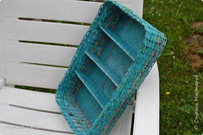 Здравствуйте, Мастеряне! Живу на даче, вся в делах на огороде, заниматься плетением совсем некогда. Но случаются заказы, не могу отказать. Вот один из таких. Сплела шкатулку для бижутерии. фото 14