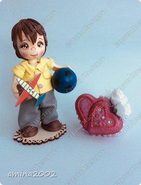 Доброго времени суток! Сувениры виде куколок из фоамирана-держатели для шариковой ручки.Куколки выполнена из фоамирана, при помощи молдов.Куколки закреплены на подставке из фанеры.Высота 14 см.  фото 6