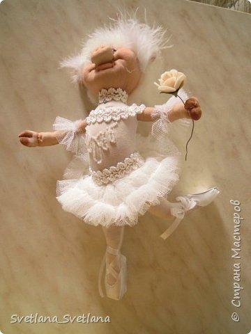 Я на пальчики встаю Ловко и умело И над сценою парю, Словно лебедь белый. Озорнее ветерка, Как пушиночка, легка В пышной пачке синьорина Танцовщица балерина. (Автор  затерялся на просторах интернета...)  фото 5