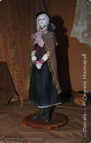 Взялась переделывать лица старым куклам, дошло дело и до моей собственно Куклы...  Кукла - потому что она по игре Bloodborne  именно Кукла) Doll, короче.  Ее первоначальный вариант - https://stranamasterov.ru/node/1089737 фото 2
