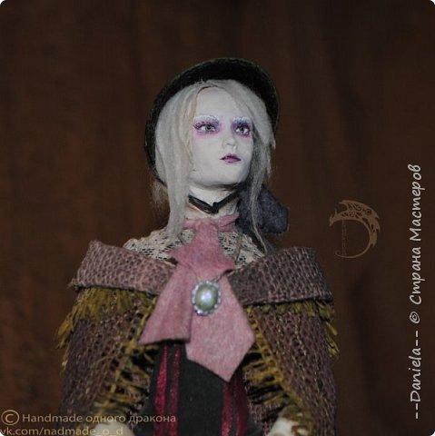 Взялась переделывать лица старым куклам, дошло дело и до моей собственно Куклы...  Кукла - потому что она по игре Bloodborne  именно Кукла) Doll, короче.  Ее первоначальный вариант - https://stranamasterov.ru/node/1089737 фото 18