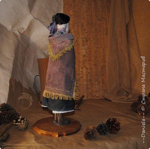 Взялась переделывать лица старым куклам, дошло дело и до моей собственно Куклы...  Кукла - потому что она по игре Bloodborne  именно Кукла) Doll, короче.  Ее первоначальный вариант - https://stranamasterov.ru/node/1089737 фото 3