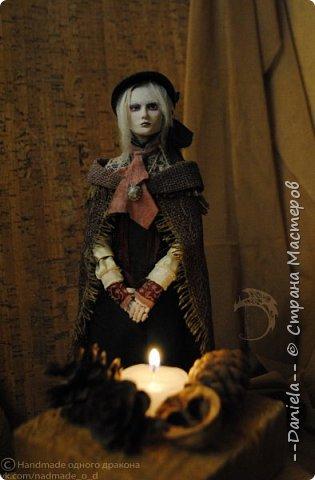 Взялась переделывать лица старым куклам, дошло дело и до моей собственно Куклы...  Кукла - потому что она по игре Bloodborne  именно Кукла) Doll, короче.  Ее первоначальный вариант - https://stranamasterov.ru/node/1089737 фото 12