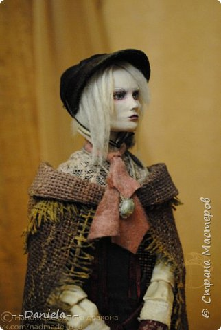 Взялась переделывать лица старым куклам, дошло дело и до моей собственно Куклы...  Кукла - потому что она по игре Bloodborne  именно Кукла) Doll, короче.  Ее первоначальный вариант - https://stranamasterov.ru/node/1089737 фото 16