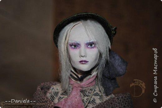 Взялась переделывать лица старым куклам, дошло дело и до моей собственно Куклы...  Кукла - потому что она по игре Bloodborne  именно Кукла) Doll, короче.  Ее первоначальный вариант - https://stranamasterov.ru/node/1089737 фото 17